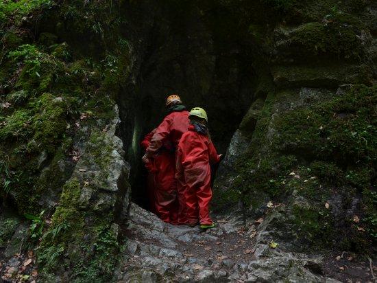 Ztraceni v jeskyni