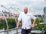 Degustační menu s výhledem na Prahu
