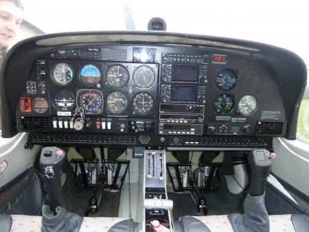 Pilotem letadla Velvary